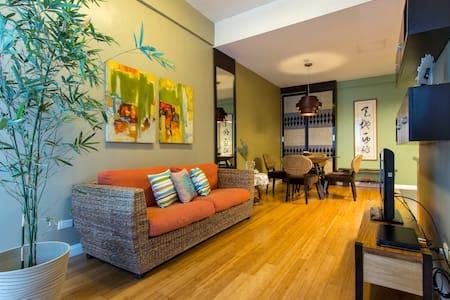 Producer's lounge in Manila - Condominium