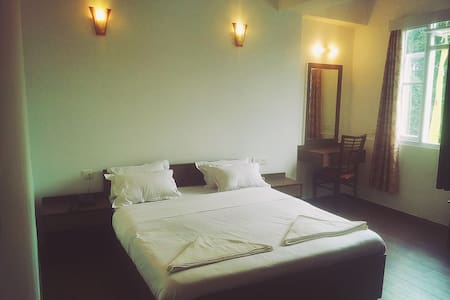 The Mazong Hotel - Bed & Breakfast