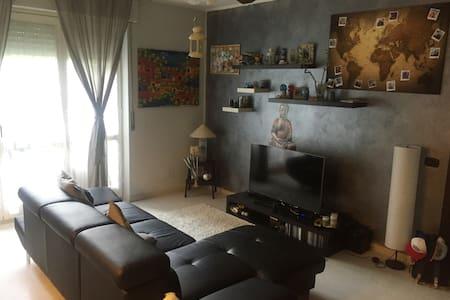 Appartamento con giardino a 5 minuti dalla Fiera - Cornaredo - Leilighet