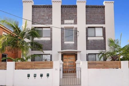 2 bedroom art deco apartment with garden near UNSW - Leilighet