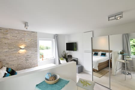 Trendy studio central Munich french double 23qm - München - Apartment