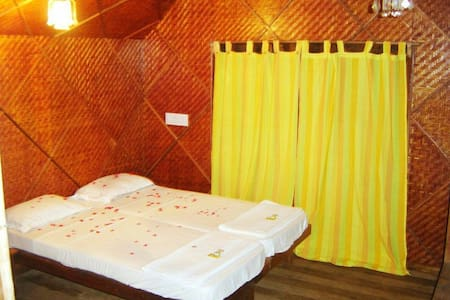 majali beach resort Karwar min tree - Karwar - Bed & Breakfast