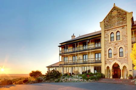 Mount Lofty House - Mount Lofty