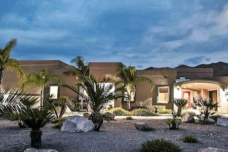 Large Guest House/Lake Mead Area - Boulder City - Casa de huéspedes