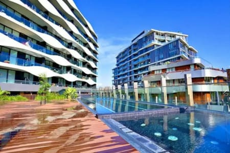 Modern One Bedroom Apartment - Resort Style Living - Abbotsford - Appartement