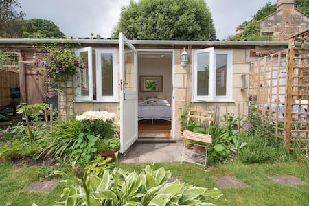 Garden Studio Retreat - Freshford