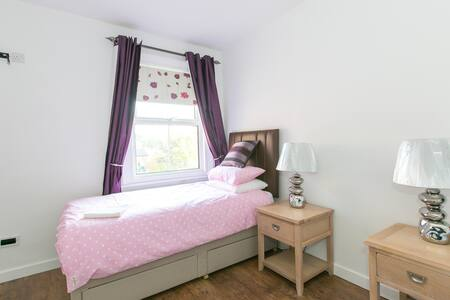 Sunninghill High Street Flat - Apartamento
