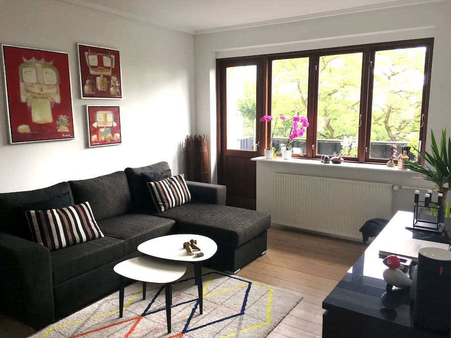Large exclusive 2 bed flat, upscale hip area