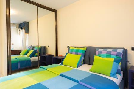Habitación y desayuno bufet WIFI - Bed & Breakfast