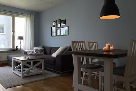 Modern apartment only 10 minutes from city centre - Stockholm - Appartement
