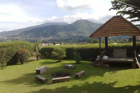 Villa 121 Lembang - Panoramic View - Villa