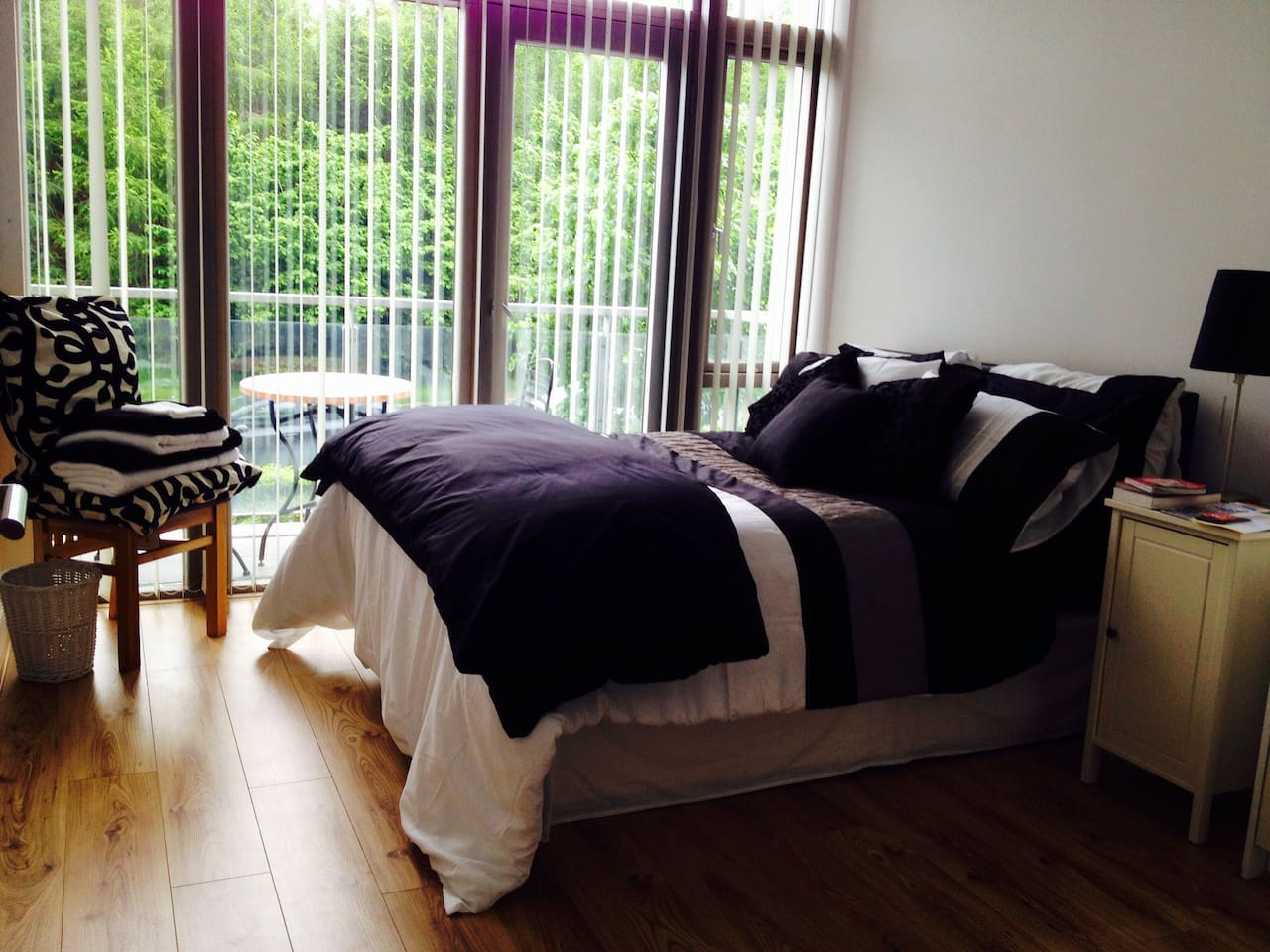 A spacious double room with an ensuite and balcony!