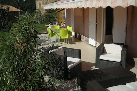Un coin de paradis vue mer et piscine - Coggia