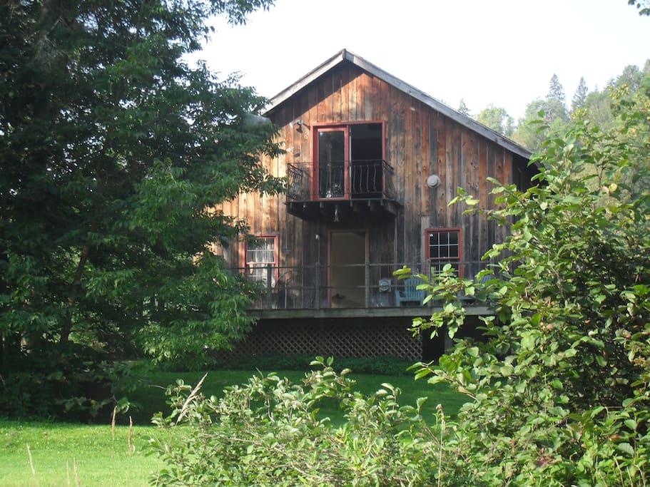 Vermont River House, Quiet Retreat