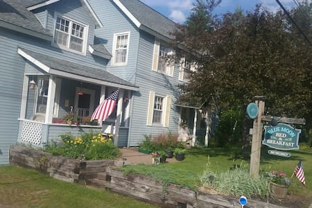Blue Moon Bed and Breakfast - Lake Placid - Bed & Breakfast
