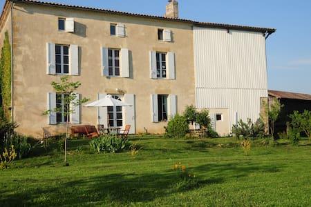 grande maison à la campagne - Barie