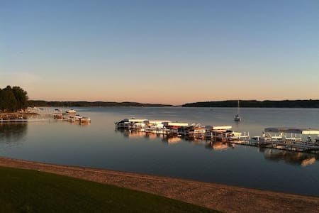 Charlevoix Waterfront Condo w/Beach, Boat Lift/doc - East Jordan