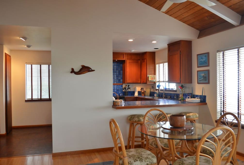 Fully equipped Gourmet Kitchen & Dining Area