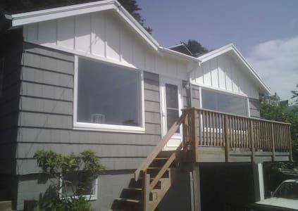 Oceanside Bungalow - Huis