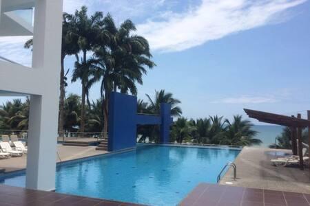 SUITE/ Resort Playa Azul- Tonsupa-Ecuador-PACÍFICO - Társasház