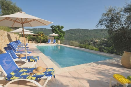 Olive Grove Apt with *Heated Pool* - Lejlighed