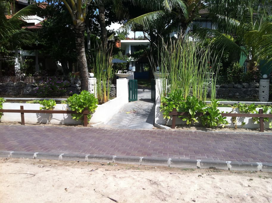 Entrance beach side