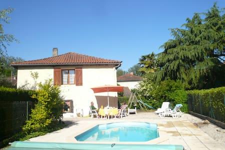 Gite rustique de charme + piscine - Soueich - Hus