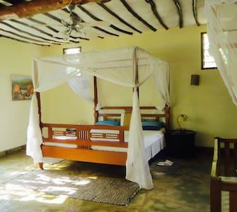 Villa Mara, luxury with African touch.ZEBRA ROOM. - Diani Beach