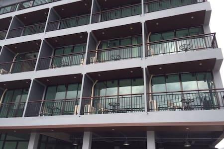 Rinrada Loft Resident Hotel - Appartement