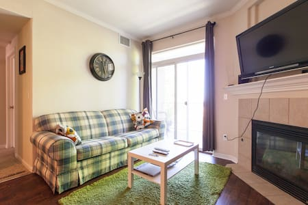 Comfy Room between Denver & Boulder - 아파트