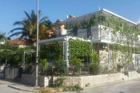 Lovely entire home/apt in Budva 1P