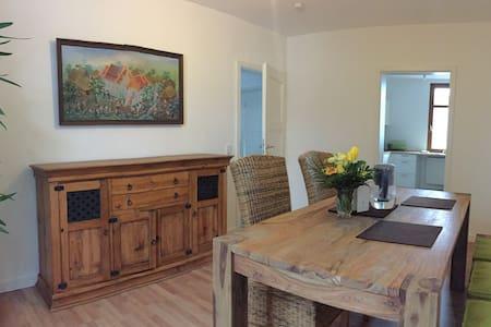 Zweistöckige Traumwohnung am Weinberg - Bensheim - Apartment
