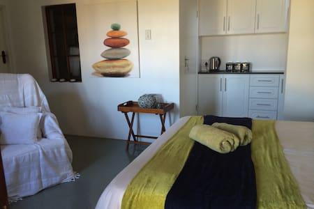 Dolphin Coast Beach Cottage - Westbrook - Apartment