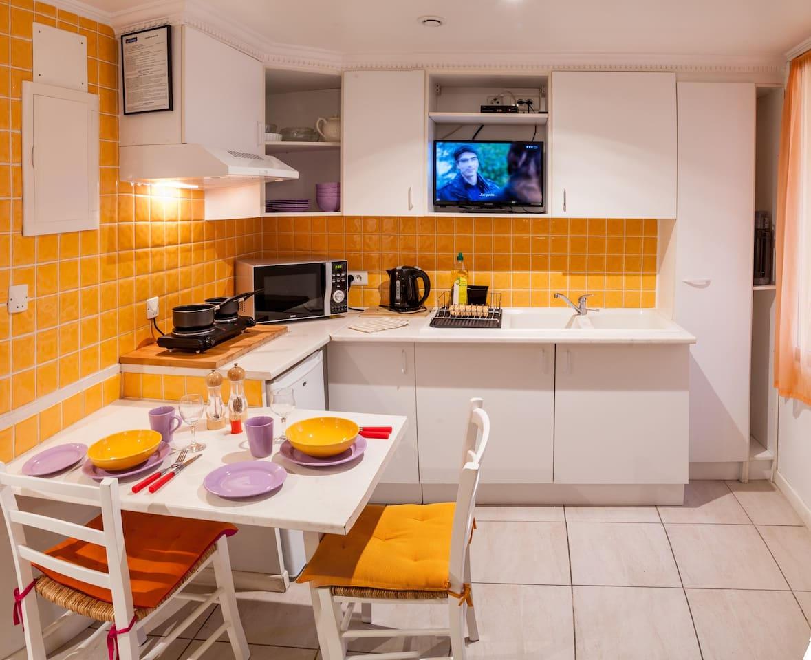Fully equipped kitchen. Free WIFI. Wide screen TV. Inspected and approved for tourism rental.