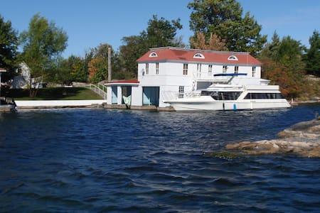 Island Boathouse Apartment & Dock - Alexandria Bay