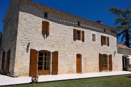 Magnifique maison en pierre - Livers-Cazelles - Ev