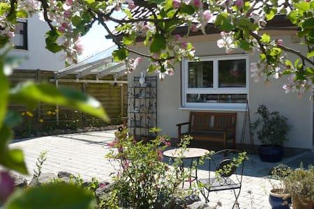 Schöne neue Ferienwohnung im Bachtal - Apartment