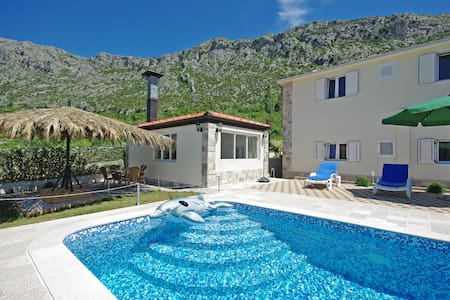 Holiday house A132 with pool - Vrgorac