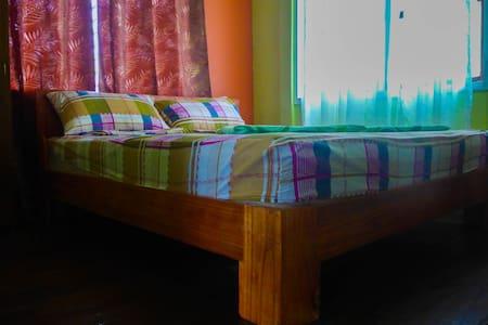 1 Double Room Aventura BnB Siquijor - San Juan - Bed & Breakfast