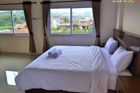 Super King Size bed with view - Bed & Breakfast