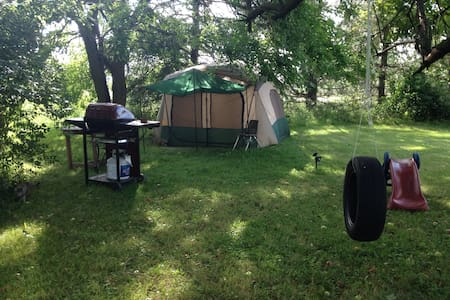 Primitive camping 10 minutes from the Columbus Zoo - Ostrander - Tent