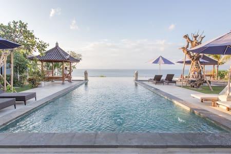 Ocean Front Garden Cabins with Million$ views #Dbl - Stuga