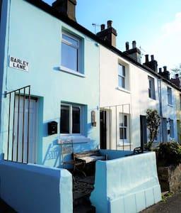 Barley Lane Cottage - Hastings - House