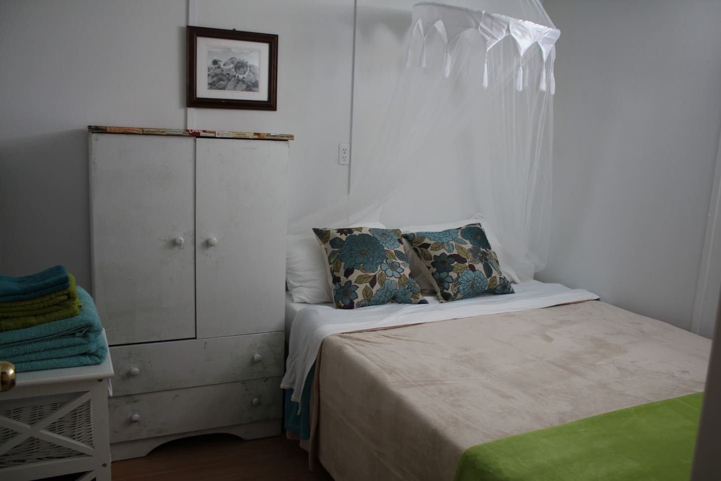 Beautiful cozy clean bedroom with brand new mattress and bedding