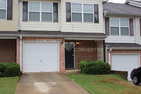 Your Atlanta Home Away from Home - Townhouse