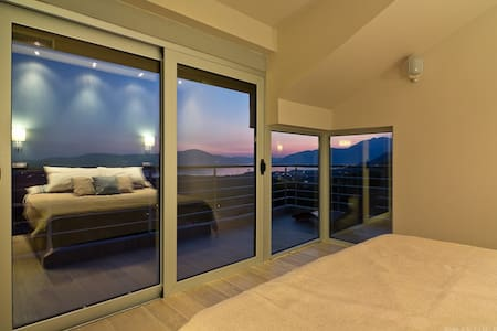 Luxury Condos for Summer or Winter
