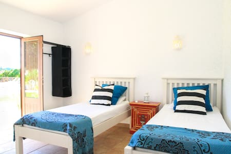 Twin Room with shared bathroom & bunk bed (TW5) - Lagos