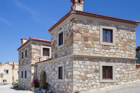 ★Stone House★ Close to Alaçatı ★ - Casa