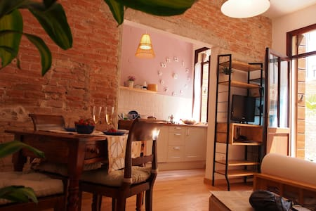 Casa Ninetta:central with courtyard - Apartment