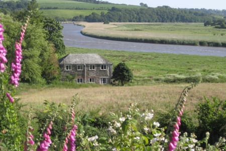 Crab Apple Cottage on the banks of the River Tamar - Casa